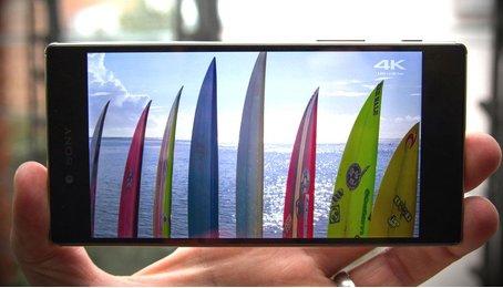 Vì sao màn hình 4K của Z5 Premium không lo ngốn pin?