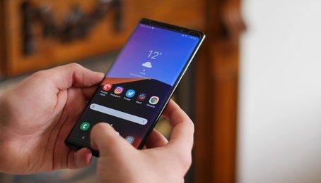 Samsung Note 9 tháng 4: Chụp selfie góc rộng, lên lịch cho chế độ ban đêm