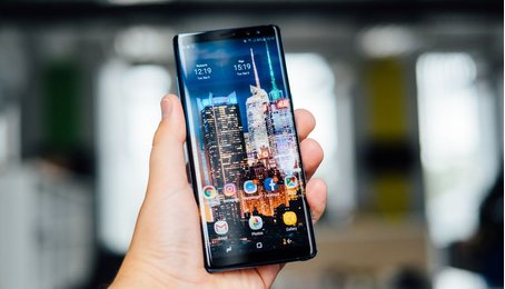 Màn hình Samsung Note 8 được giới hạn ở chế độ Full HD theo mặc định?